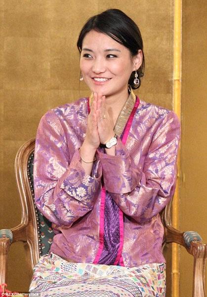 Quốc vương Bhutan khẳng định ngài luôn tự hào về người vợ của mình.
