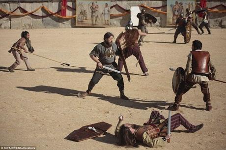 Đời sống của phần đông các chiến binh không lấy gì làm tươi sáng, nhưng đối với một số ít những võ sĩ giác đấu thực sự thiện chiến, họ trở nên nổi tiếng và rất giàu có.