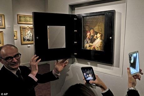 Bức tranh này đã được tìm thấy ở tầng hầm của một căn nhà tại bang New Jersey, Mỹ. Bức tranh đã bị lãng quên trong suốt nhiều thập kỷ. Cuối cùng, người ta đã đưa nó trở lại ánh sáng và phát hiện ra rằng đây là một trong những tác phẩm sớm nhất của vị danh họa người Hà Lan Rembrandt.
