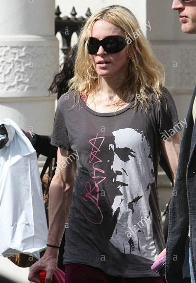 Nữ ca sĩ Madonna.
