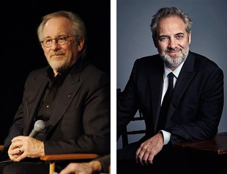 Đạo diễn Spielberg (trái) và Mendes (phải).