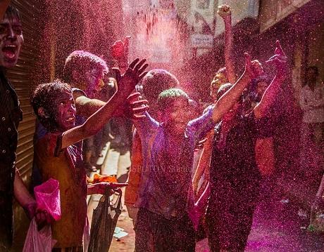 Lễ hội sắc màu Holi (Ảnh: Sudharsan Ravikumar)