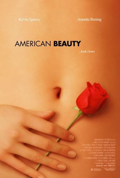 """Bộ phim """"Vẻ đẹp Mỹ"""" (1999) là một trong những phim điện ảnh kinh phí thấp thành công rực rỡ ngoài mong đợi của nhà sản xuất, in dấu trong lịch sử điện ảnh Mỹ."""