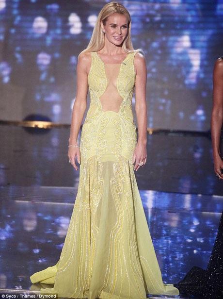 Đặc biệt nữ giám khảo Amanda đã đầu tư rất mạnh tay cho những lần xuất hiện tại chương trình năm nay, những bộ váy của cô qua từng tập phát sóng đều khiến các trang tin giải trí của Anh phải choáng váng về mức độ chịu chi.