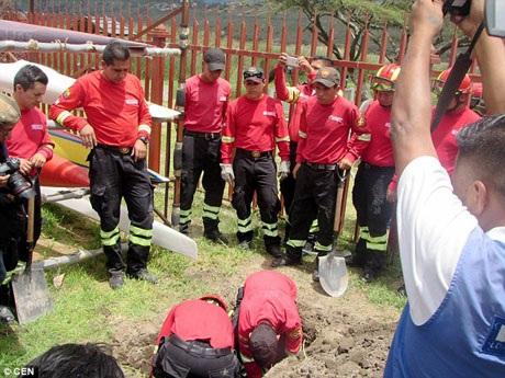 Đội cứu nạn đã dành cho Dayko một lễ tang trang trọng và đăng tải những lời tưởng niệm về chú trên trang mạng xã hội.