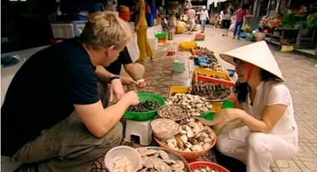 """Những bếp trưởng nổi danh thế giới """"chết mê"""" ẩm thực Việt - 4"""