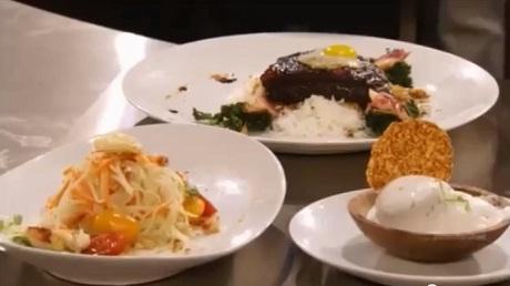 Trong buổi thi chung kết, Christine Hà cũng chọn những món rất Việt Nam: nộm rau đu đủ, cơm - thịt kho, kem chanh dừa.