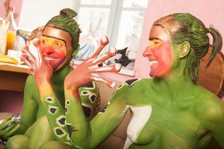 Johannes Stoetter từng giành ngôi vị quán quân tại cuộc thi body-painting thế giới World Body Painting Champion 2012.