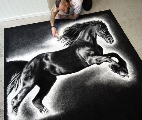 Ngựa tung vó.