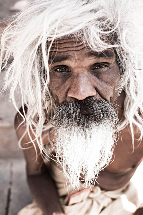 Một người đàn ông sùng đạo Hindu lựa chọn lối sống khổ hạnh. Ảnh chụp ở bang Rajasthan, Ấn Độ.