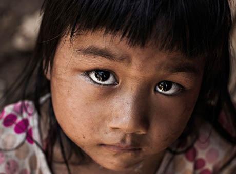 Một cô bé gặp trên đường du ngoạn vùng núi phía Bắc Việt Nam.