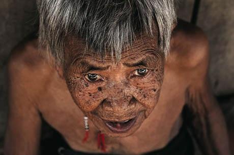 Bà cụ 101 tuổi người Cơ Tu.
