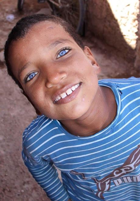Đôi mắt Maroc, ảnh chụp ở thành phố Casablanca.