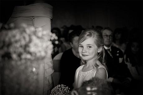 """Cô bé 9 tuổi """"đắt sô"""" chụp hình hơn nhiếp ảnh gia chuyên nghiệp - 15"""