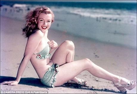 """""""Biểu tượng sex"""" Marilyn Monroe và bikini."""