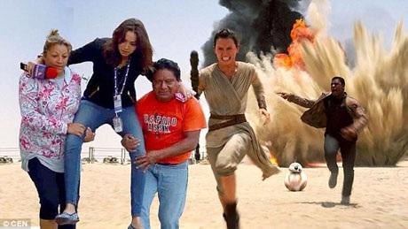 """Hình ảnh chụp cô Lydia được """"công kênh"""" qua vũng nước đã lan truyền trên mạng xã hội Mexico và bị cư dân mạng chế thành đủ kiểu ảnh hài. Như trong bức ảnh trên, cô Lydia được đặt vào một cảnh phim """"Star Wars""""."""