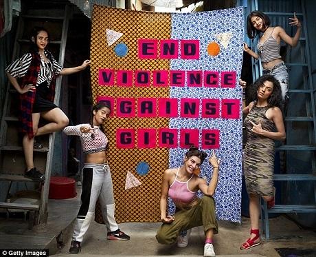 Những cô gái đến từ nhiều quốc gia trên thế giới cùng xuất hiện trong MV hiện đang được lan truyền trên mạng. Những khẩu hiệu thể hiện mục tiêu của nữ quyền cũng được khắc họa trong MV.
