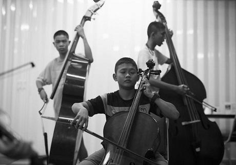 Một buổi luyện tập chung của cả dàn nhạc.
