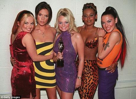 Hồi thập niên 1990, Spice Girls là một trong những ban nhạc nổi tiếng nhất thế giới, trong lịch sử các ban nhạc nữ, Spice Girls được xem là nhóm nhạc nữ quyền lực nhất.