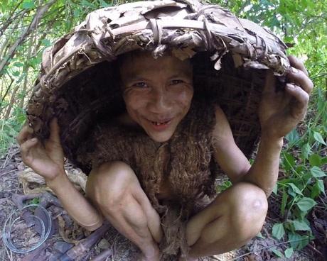 """Sắp có phim tài liệu về """"người rừng Tarzan của Việt Nam"""" - 12"""