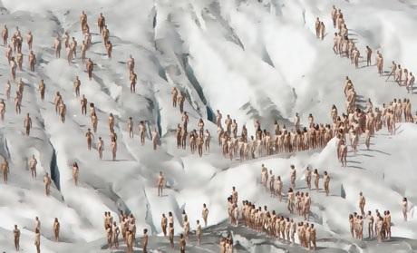 Buổi chụp hình diễn ra bên sông băng Aletsch ở Thụy Sĩ vào ngày 18/8/2007 với mục đích nhấn mạnh vào sự biến đổi khí hậu đang diễn ra trên khắp hành tinh.