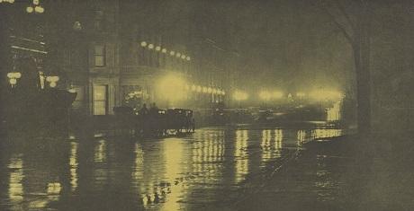 """""""Ánh sáng của đêm"""", nhiếp ảnh gia Alfred Stieglitz, chụp tại New York năm 1897."""