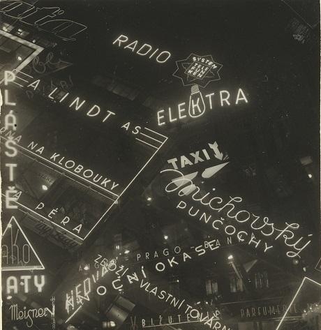 """""""Những biển hiệu đèn neon"""" của nhiếp ảnh gia Jaromír Funke chụp năm 1939."""