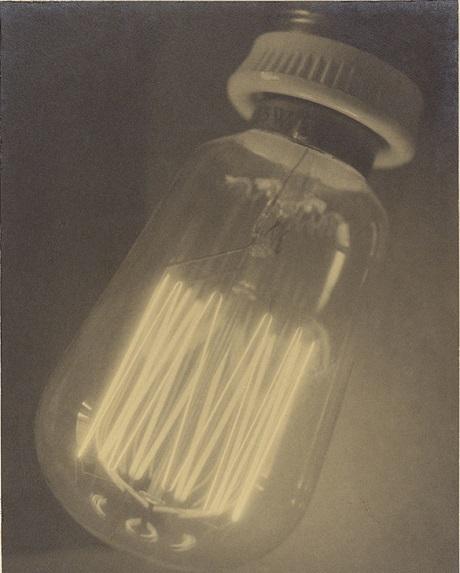 """""""Bóng đèn điện"""", thực hiện bởi Květoslav Trojna năm 1929."""