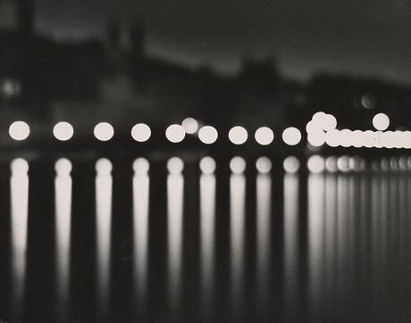 """""""Stockholm về đêm"""", hồi năm 1937, ảnh của Andreas Feininger."""