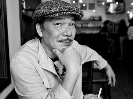 Nhạc sĩ Trần Tiến cho rằng, việc ông trở thành người viết nhạc chuyện nghiệp là sự xô đẩy đầy tình cờ của cuộc đời.