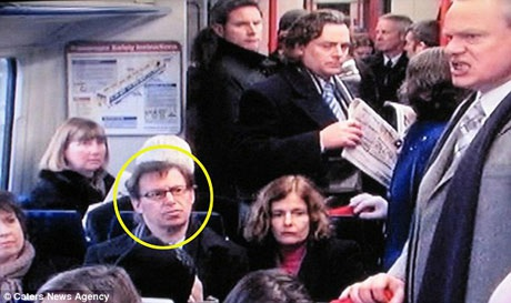 """Ông Paul vào vai một hành khách có mặt trên chuyến tàu trong loạt phim truyền hình """"Reggie Perrin""""."""