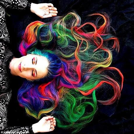 Mái tóc của Trisha Reibelt đã giúp cô trở nên nổi tiếng trên mạng xã hội.