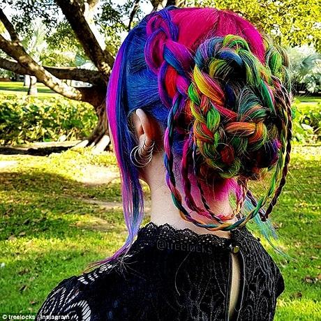 Mái tóc của Trisha trong một lần cô đi dự lễ cưới.