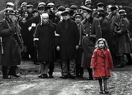 """""""Schindler's List"""" (Bản danh sách của Schindler - 1993), bộ phim đánh dấu sự trưởng thành trong cách làm phim của Spielberg."""