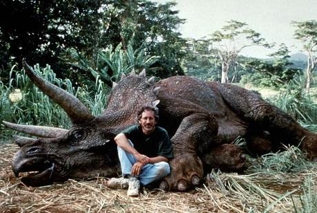 """Steven Spielberg trên phim trường """"Jurassic Park"""" (Công viên kỷ Jura - 1993)."""