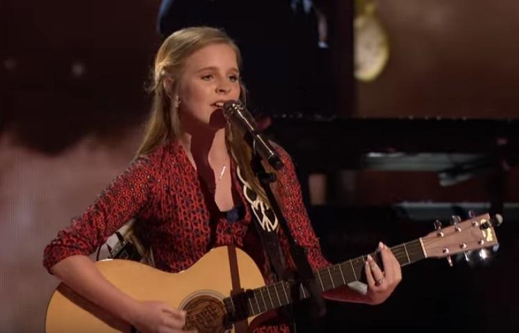 Kadie Lynn mới chỉ 12 tuổi, nhưng chất nghệ sĩ và sự tự tin trên sân khấu ở em đã toát ra mạnh mẽ.