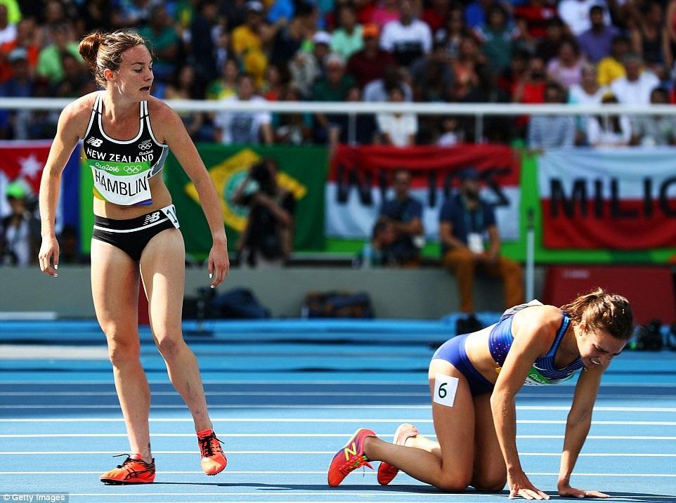 DAgnostino đã khuyên Hamblin hãy tiếp tục phần thi của mình, để cô ở lại tự xoay xở. Sau một lúc, DAgnostino cũng trở lại đường chạy và cố hoàn tất phần thi.