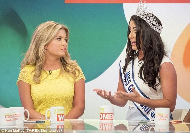 Tân Hoa hậu Deone đã rất kiềm chế và tỏ ra lịch thiệp trước những lời nói khá gay gắt và công kích của Zara.