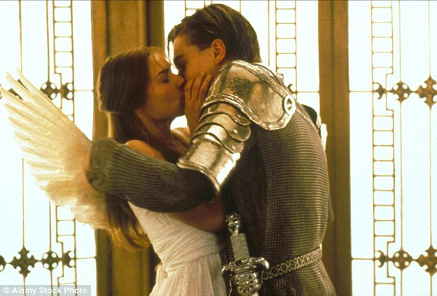 Tình yêu sét đánh nổi tiếng nhất trong lịch sử văn chương là của Romeo và Juliet.
