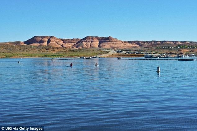 Đã có 120 vụ tử nạn xảy ra trong vài thập kỷ trở lại đây tại vùng hồ Powell. Nguyên nhân chủ yếu đến từ việc các nạn nhân đều chủ quan không mặc áo cứu hộ khi đi du ngoạn trong vùng hồ.