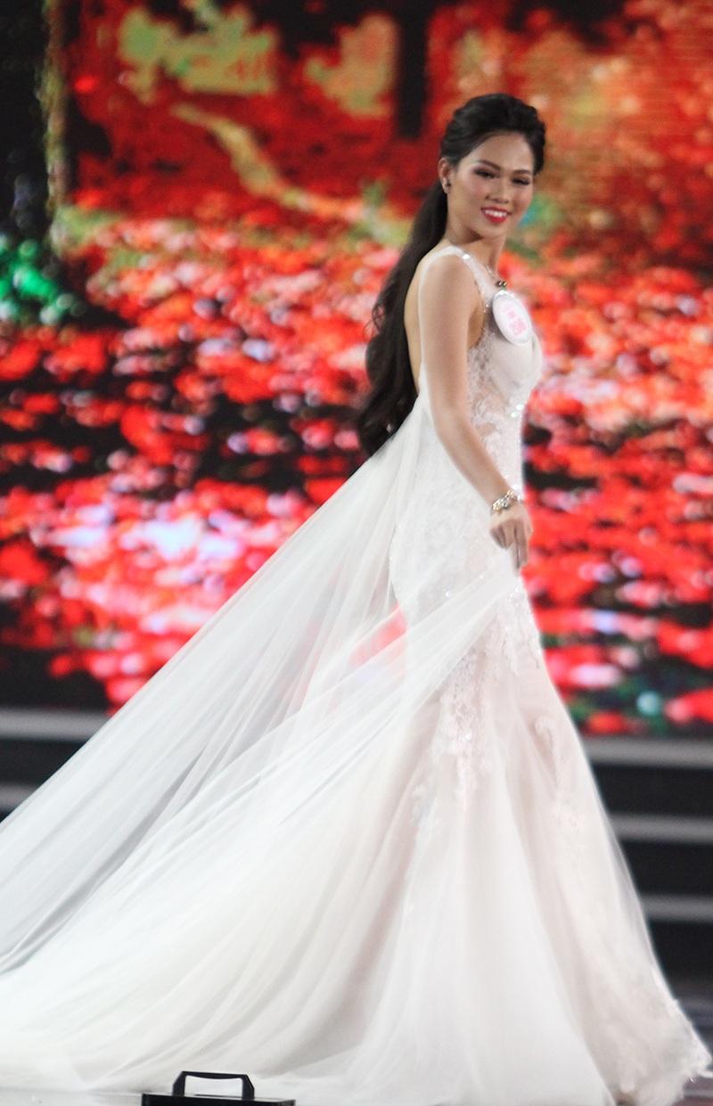 Người đẹp Đỗ Mỹ Linh đăng quang Hoa hậu Việt Nam 2016 - 27