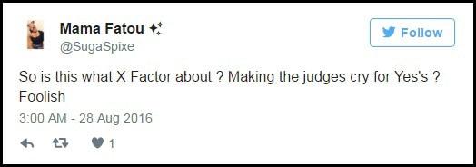 """Thậm chí một người xem còn tỏ ra khá gay gắt: """"Vậy đây là những gì mà X Factor xoay quanh sao? Khiến giám khảo phải khóc để nhận được sự đồng ý ư? Ngớ ngẩn""""."""