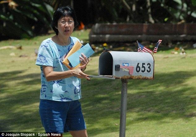 Bà Gloria Chapman, vợ của tù nhân Mark David Chapman, sống một cuộc đời lặng lẽ ở Hawaii. Bà đã kết hôn với người đàn ông này năm 1979, một năm trước khi xảy ra vụ án, cho tới giờ, bà vẫn thường xuyên vào thăm chồng ở trong tù.