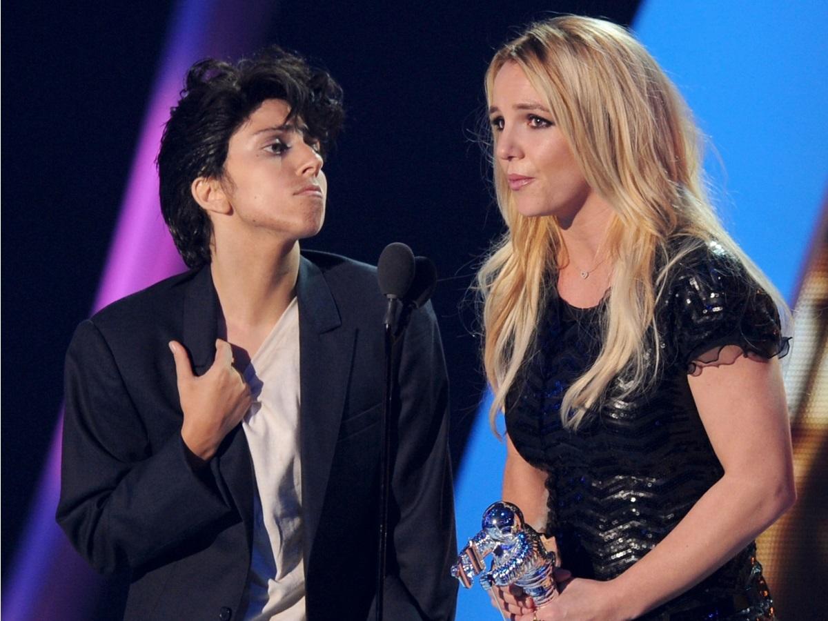 """""""Công chúa pop"""" Britney Spears đã hồi sinh từ tro tàn như thế nào? - 10"""
