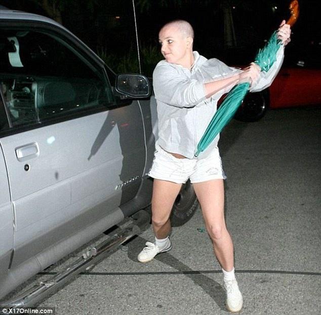 """""""Công chúa pop"""" Britney Spears đã hồi sinh từ tro tàn như thế nào? - 2"""