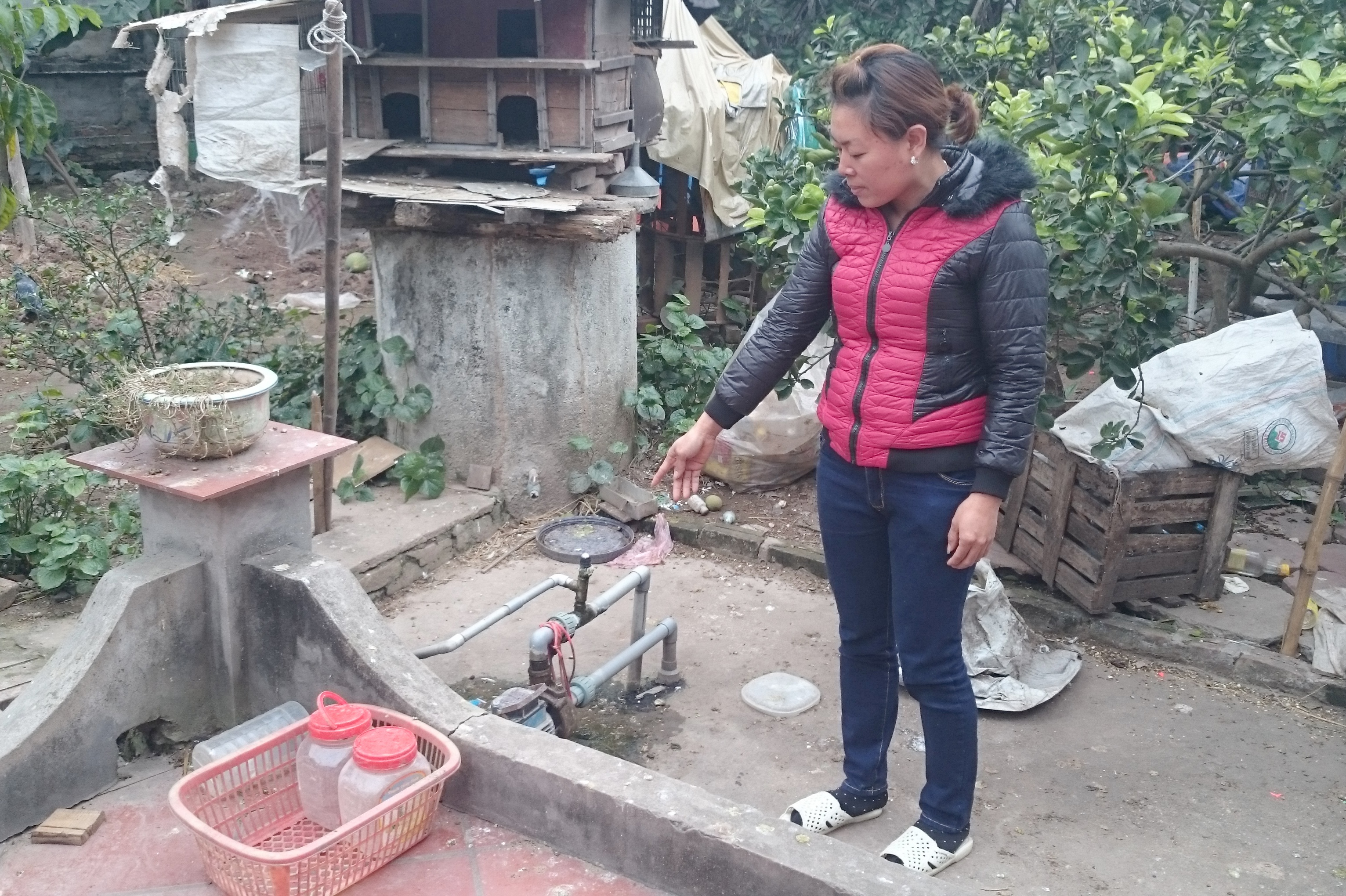 Chị Trịnh Thu Hà cho biết, nguồn nước sinh hoạt của cả gia đình là nhờ cái giếng khoan này