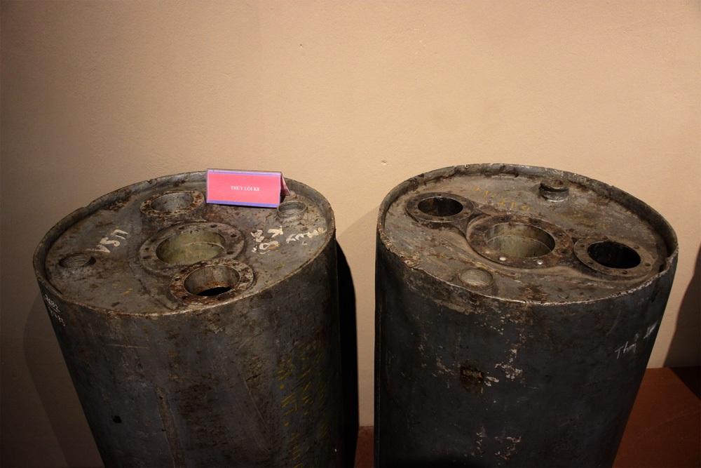 Hình dáng 2 quả thủy lôi K8 này khá trùng khớp với miêu tả về vật nổ tại Văn Phú như lời anh Thủy kể lại (ảnh: Nguyễn Dương)