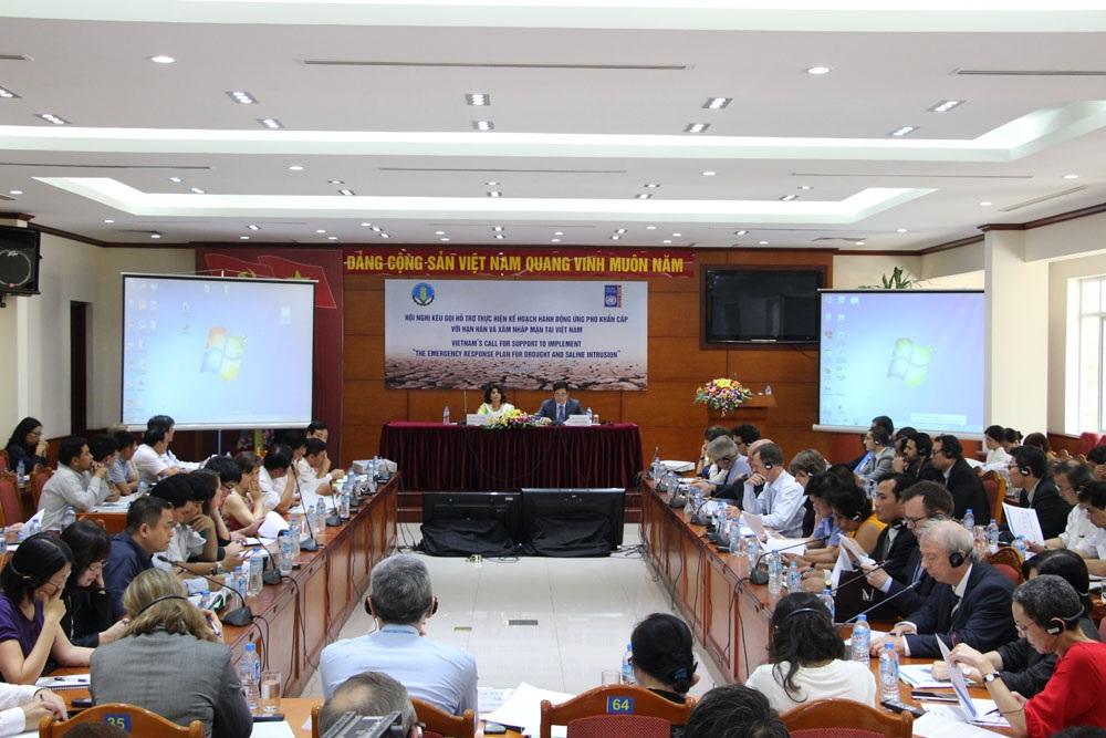 """Quang cảnh """"Hội nghị kêu ngọi hỗ trợ thực hiện kế hoạch hành động ứng phó khẩn cấp với tình hình hạn hán và xâm nhập mặn tại Việt Nam"""""""