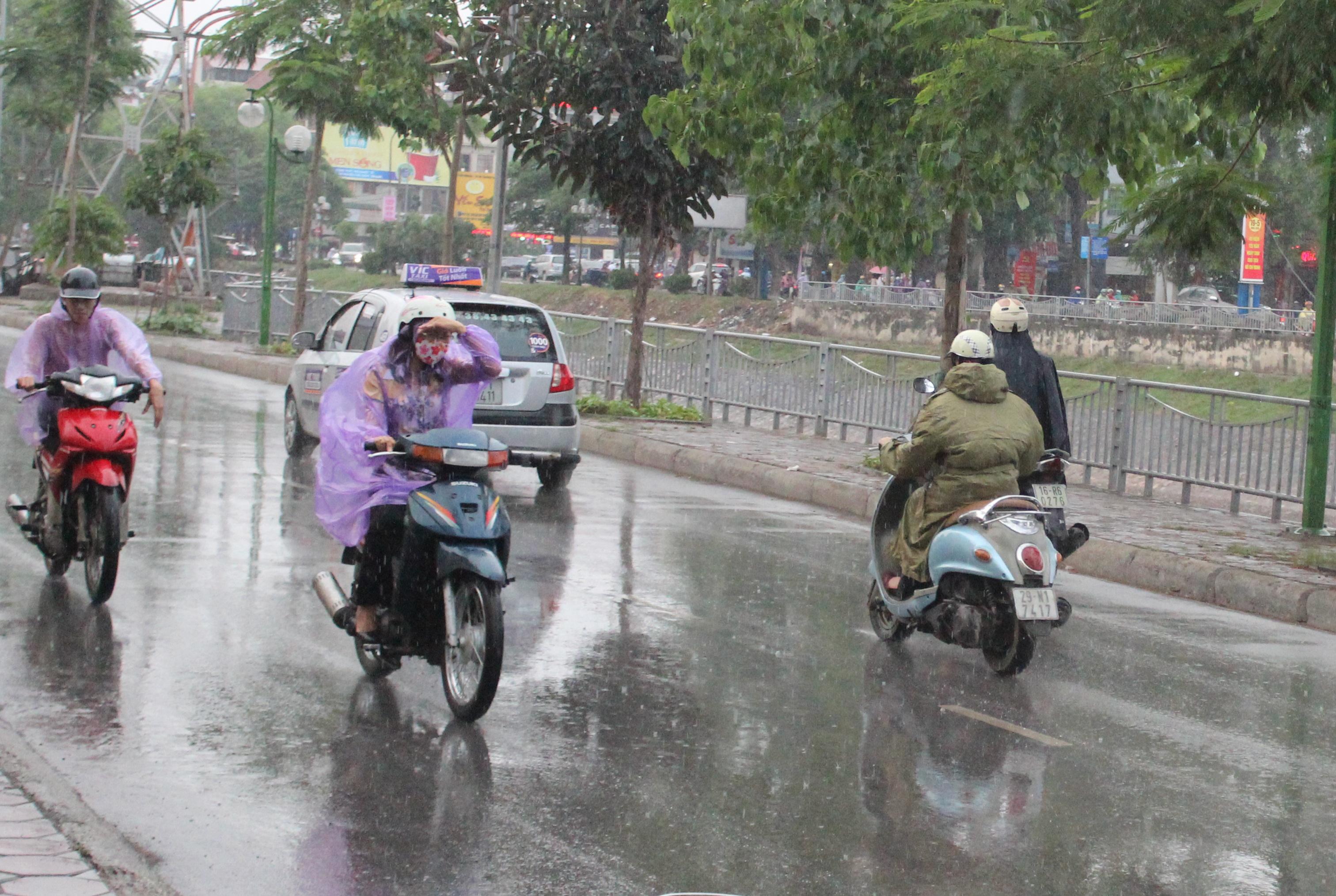 Ngày mai (4/6), phía đông Bắc Bộ và khu vực Hà Nội sẽ xuất hiện mưa giông (ảnh: Nguyễn Dương)