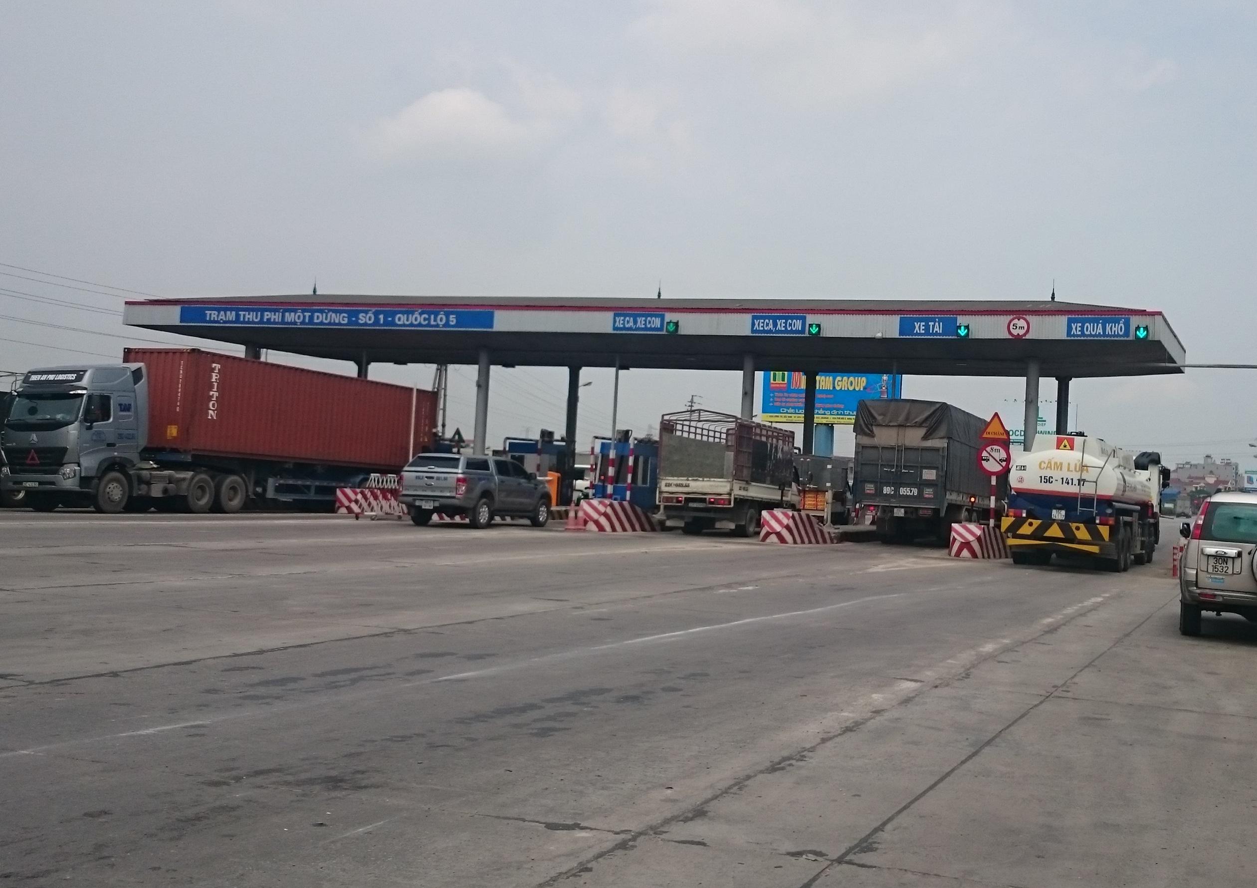 Bộ GTVT yêu cầu VIDIFI nghiên cứu phương án giảm phí trên QL5 và cao tốc Hà Nội - Hải Phòng theo kiến nghị của UBND tỉnh Hải Dương (ảnh chụp trạm thu phí số 1 trên QL5)